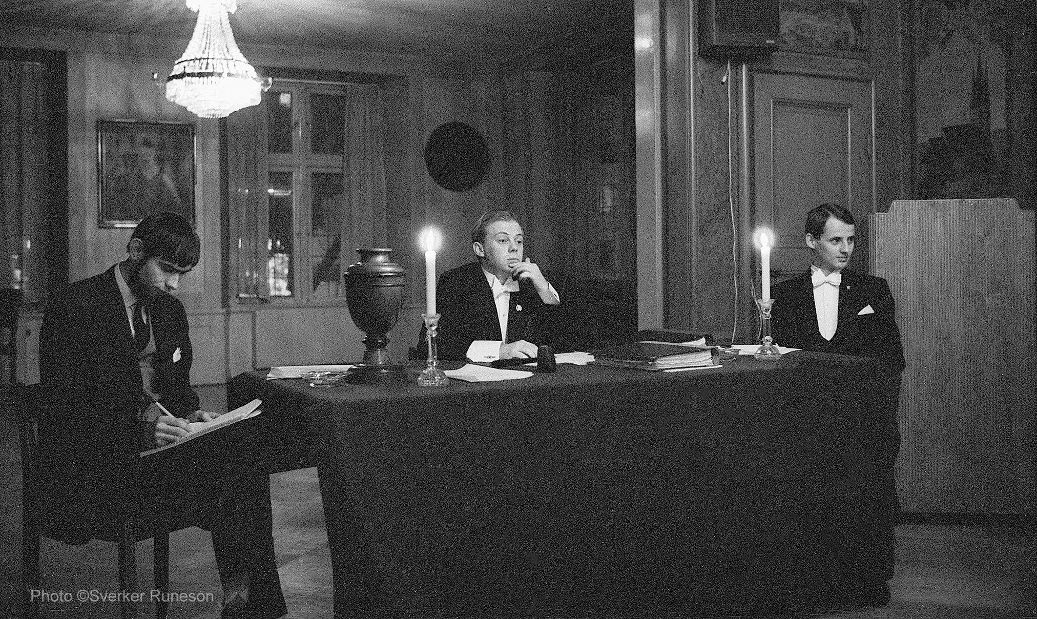 Västgöta Nation: Nationssammankomst.Skrivare (???), 1Q Lennart Nordenfelt, 2Q Dan Lundgren