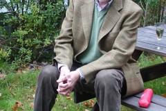 Professor Bo Ekstrand samlar sig