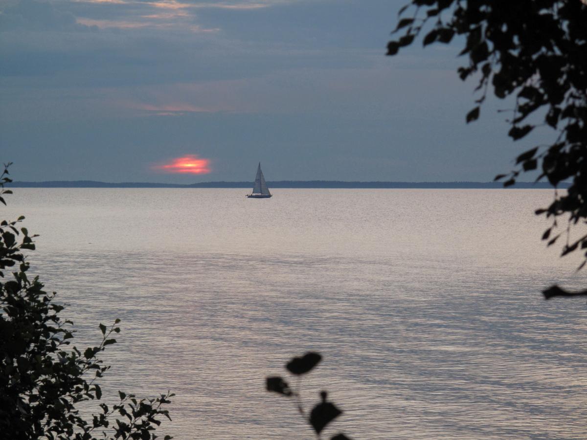 Vänern i solnedgång